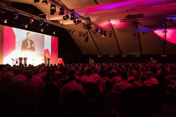 Convention CommercialeParis600 participants